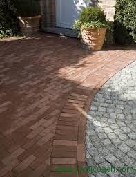 Aménagez un jardin tendance  avec des briques sur chant